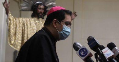 Arzobispo pide diálogo entre Ejecutivo y Legislativo en tema de fondos públicos