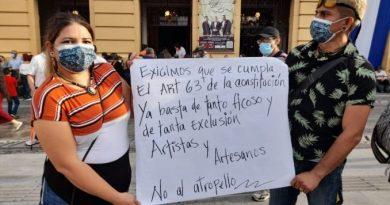 Artistas y artesanos denuncian que no se les permita trabajar